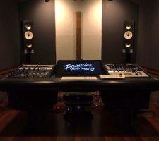 レコーディングスタジオ コントロールルーム